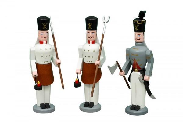Erzgebirgische Bergmänner Hüttengruppe, 3-teilig, handbemalt und in Handarbeit gefertigt, 13 cm von Volkskunstwerkstatt Eckert aus Seiffen/ Erzgebirge