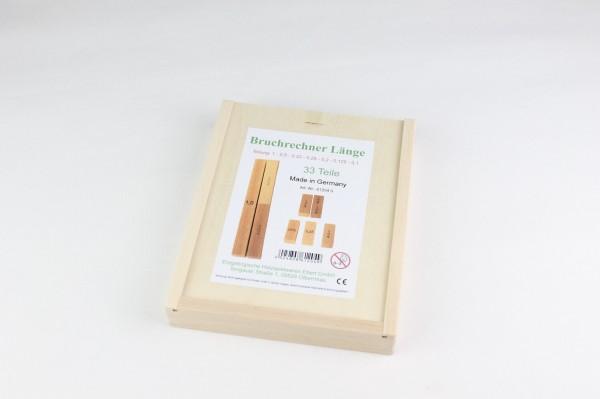 Bruchrechnung, Prozentrechnung Länge im Holzkasten, bestehend aus 33 Klötzchen, welche auf je einer Seite mit dem gemeinen Bruch, dem Dezimalbruch und dem …