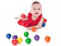 Vorschau: Die klingenden Holzkugeln von SINA Spielzeug Neuhausen/Erzgebirge, laden ein, spielerisch die Sinne Ihres Kindes zu schulen. 12 Holzkugeln in 6 verschiedenen …