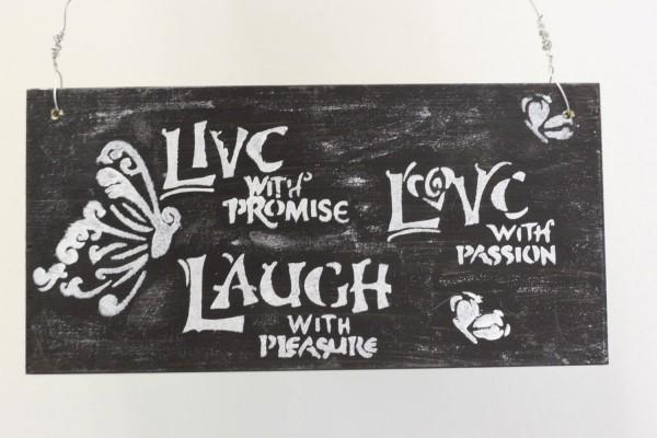 Dekoschild aus Holz zum hängen , Live,Love & Laugh