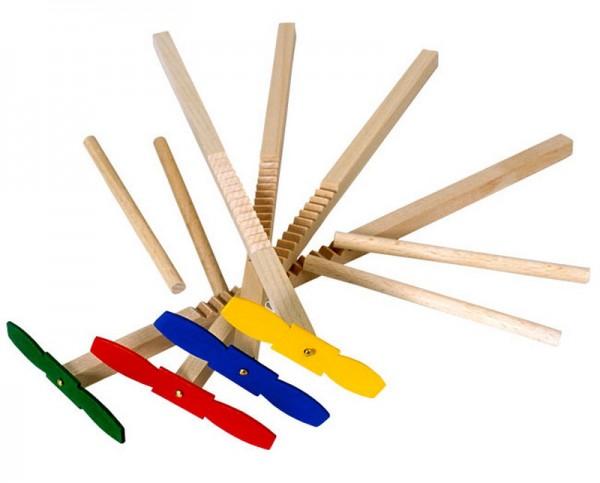 Hui - Hui ist ein Geschicklichkeitsspiel oder auch Zauberpropeller genannt. Es ist ein einfaches Holzspielzeug, welches aus zwei Holzstäben besteht: Einer ist …