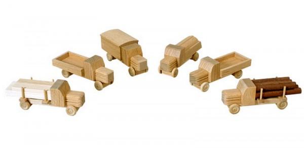 LKW gehören zu den klassischen Kinderspielzeugen im Bereich Fahrzeuge. Diese kleinen Holz LKW bieten mit ihren Kofferaufbauten viel Spielraum für Phantasie …
