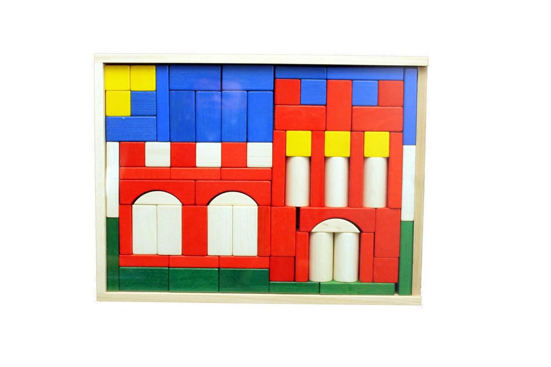 """Mit den 76 enthaltenen Bausteinen ist mit dem Baukasten """"Burg"""" ein variantenreiches Bauen bereits für die Kleinsten möglich. Die Bausteine passen …"""