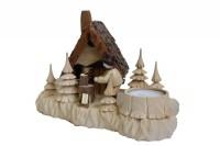 Vorschau: Das Räucherhaus Wildhüterhütte mit Teelicht und der Romy Thiel Figur Holzhacker, von Holzdrechslerei A. Lahl Deutschneudorf/ Erzgebirge, ist ein begehrtes …