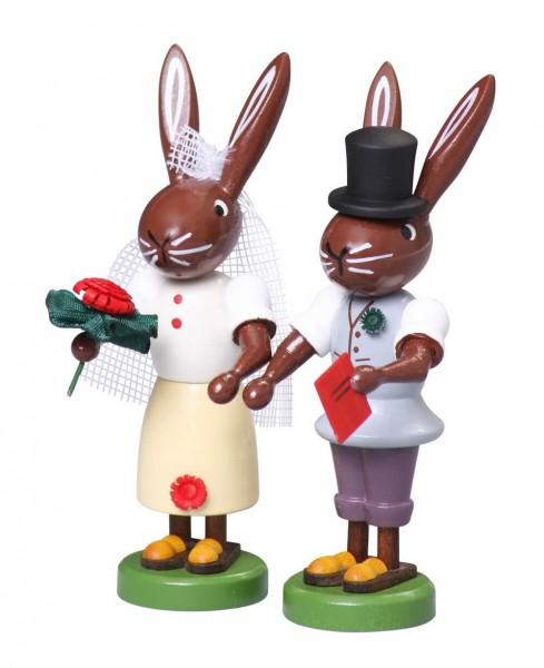 Osterhase Hasen Brautpaar, 9 cm von Thomas Preißler Seiffen/ Erzgebirge Größe: ca. 9 cm Material: heimische Hölzer, hochwertige Farben und Lacke