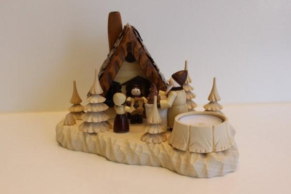 Das Räucherhaus Bescherung mit Teelicht und Romy Thiel Figuren von Holzdrechslerei A. Lahl Deutschneudorf/ Erzgebirge, ist ein magisches Unikat. Die Magie von …