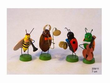 Frühlingskapelle mit 4 Käfermusikanten von Volker Zenker