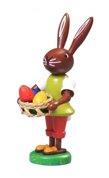 Osterhase mit Eierkorb, 9 cm von Thomas Preißler Seiffen/ Erzgebirge Größe: ca. 9 cm Material: heimische Hölzer, hochwertige Farben und Lacke