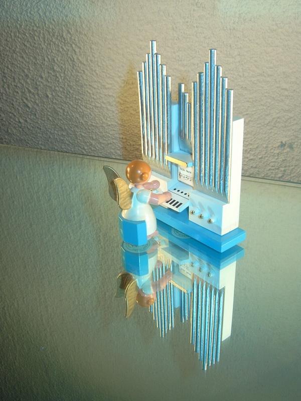Weihnachtsengel mit Orgel, 8 x 11 cm, WEHA-Kunst Dippoldiswalde/ Erzgebirge