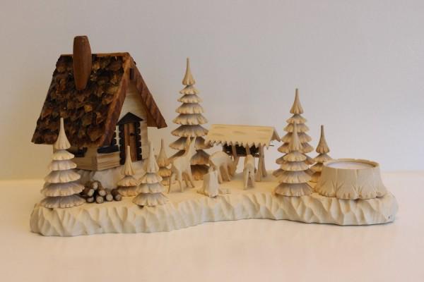 Das Räucherhaus Wildhüterhütte mit Rehen und Teelicht, von Holzdrechslerei A. Lahl Deutschneudorf/ Erzgebirge, ist ein begehrtes Unikat. Durch diese …