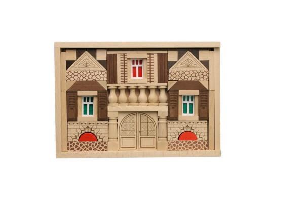 Der Baukasten Residenz besteht aus 89 Holzbausteinen undund basiertauf demtraditionellen Blumenauer Holzbaukastensystem. …