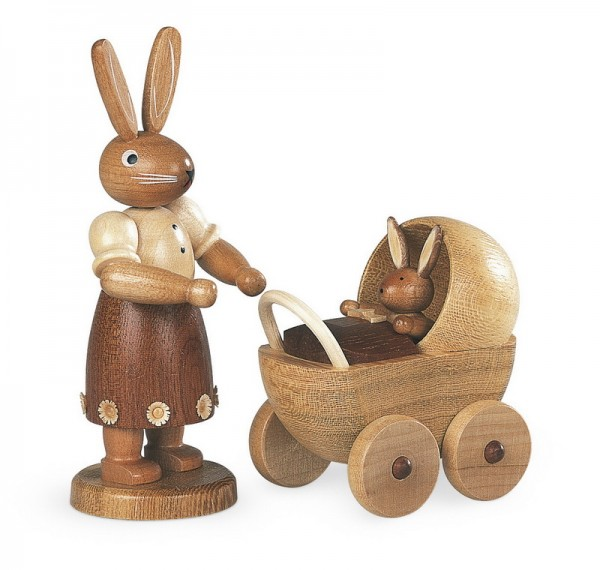 Osterhasenmutter mit Kinderwagen, natur, 11 cm von Müller GmbH Kleinkunst aus dem Erzgebirge
